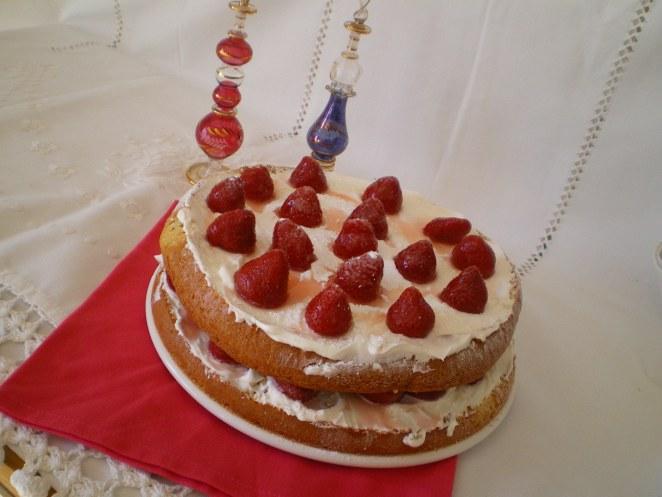 genovesa de nata y fresas