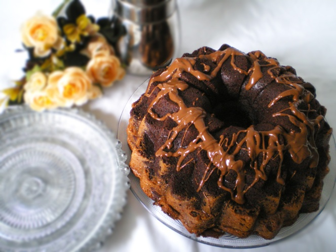 Bundt De Chocolate y Crema de queso Chocolateada