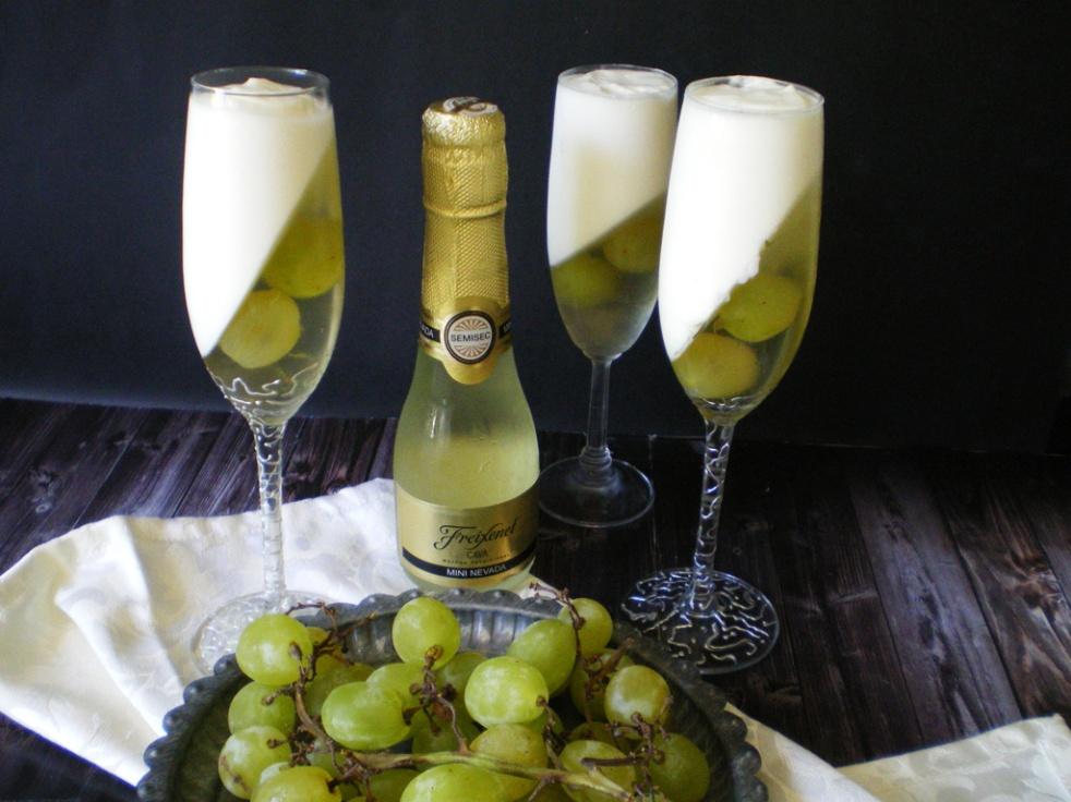 Juego de Blogeros 2.0: Gelatina de Cava y Uvas con Mousse de Limón ...